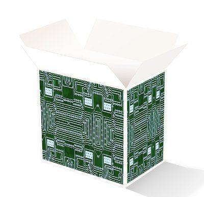 Illustratieve afbeelding open source: met printplaatjes beplakte open doos
