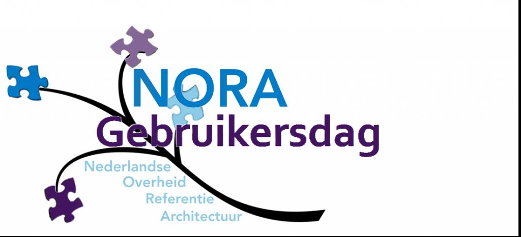 Logo NORA Gebruikersdag, de teksten NORA (blauw), Gebruikersdag (paars) en Nederlandse Overheid Referentie Architectuur (lichtblauw), voor een takje met daaraan puzzelstukjes in blauw en paars.