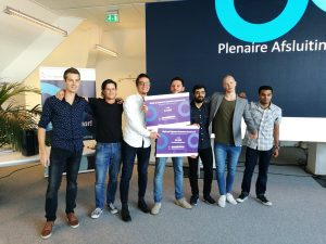 Teams Going Dutch/My App winnen de Hackathon Regie op Gegevens