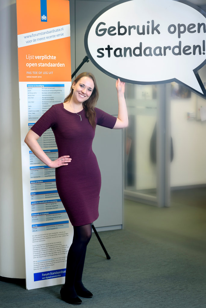 Gerlinda de Vries met tekstballon Open Standaarden.