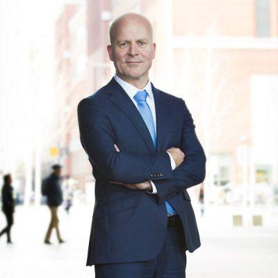 Staatssecretaris Knops van BZK.