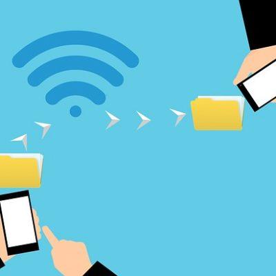 twee mobieltjes verbinding door wifi