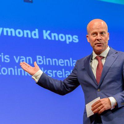 Staatssecretaris Knops presenteerde NL DIGIbeter 2019 tijdens het iBestuur Congres in Arnhem.
